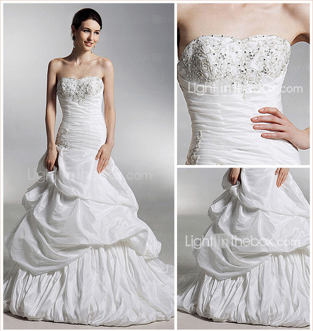 A-line/ Princess Sweetheart Court Train Taffeta Pick-up Wedding Dress