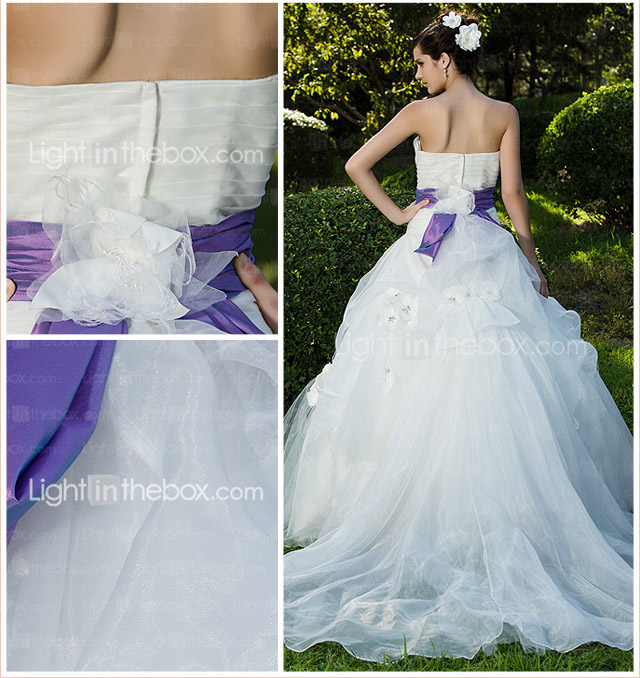 Ball Gown Strapless Floor-length Organza Wedding Dress