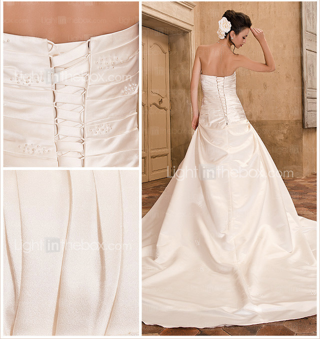 A-line/Princess Sweetheart Chapel Train Satin Luxury Wedding Dress