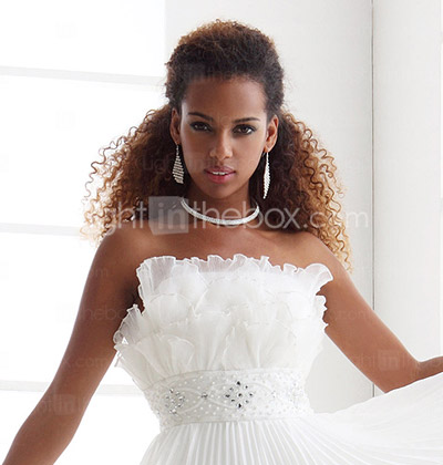 Sheath/Column Scalloped-Edge Sweep/Brush Train Chiffon Wedding Dress
