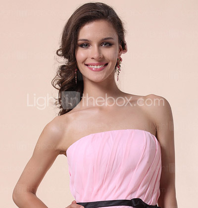 Sheath/Column Strapless Knee-length Chiffon Bridesmaid Dress With Cascading Ruffle