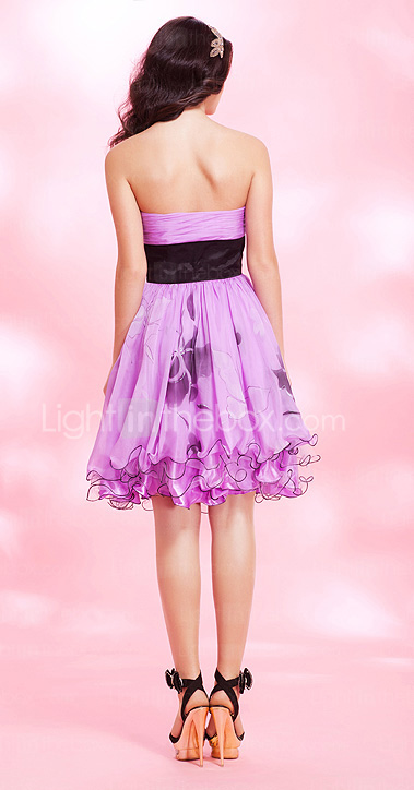 A-line Strapless Knee-length Chiffon Cocktail Dress