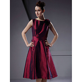 A-line Bateau Knee-length Taffeta Bridesmaid/ Wedding Party Dress