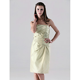 Sheath/ Column Strapless Knee-length Side-Draped Taffeta Bridesmaid Dress