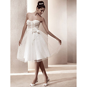 A-line Sweetheart Knee-length Tulle Wedding Dress