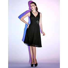 Sheath/ Column V-neck Knee-length Chiffon Cocktail Dress