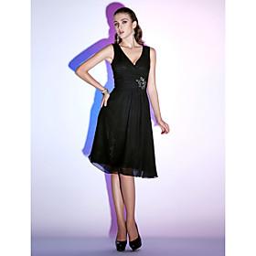 Sheath/ Column V-neck Knee-length Chiffon Cocktail Dress