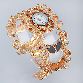 Quartz Movement Round Shape With Rhinestone Bracelet Watch