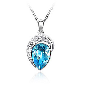 Glamourous Crystal and Platinum Plated Alloy Necklace