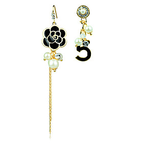 Lady Number Pearl Ear Studs