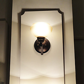 Classic Wall Light with 1 Light in Warm White Shade