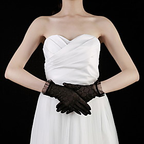 Lace Wrist Length Fingertips Bridal Gloves