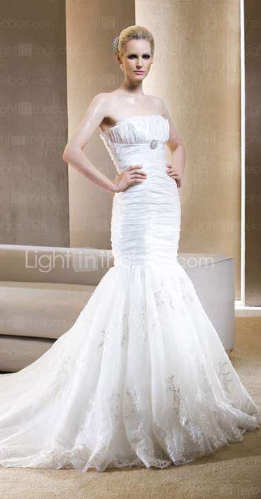 Gorgeous Trumpet/Mermaid Strapless Chapel Train Taffeta Wedding Dress