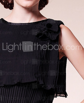 Sheath/Column Bateau Knee-length Chiffon Mother of the Bride Dress