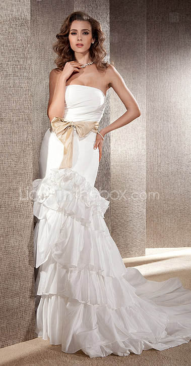 Trumpet/Mermaid Strapless with Sashes Chapel Train Taffeta Wedding Dress