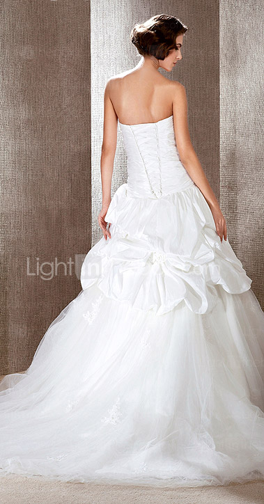 Ball Gown Sweetheart Chapel Train Taffeta Pick-Ups Wedding Dress
