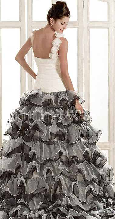 Gorgeous A-line One Shoulder Court Train Organza Wedding Dress