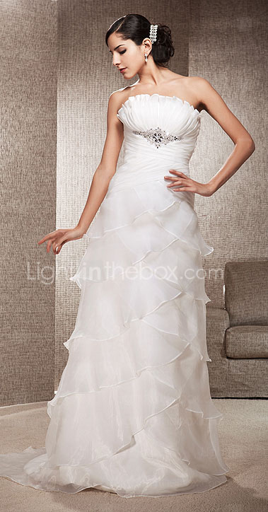 Sheath/Column Strapless Court Train Organza Wedding Dress