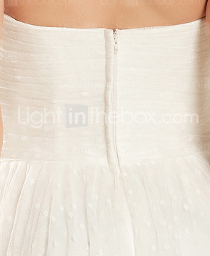 Sweetheart Neck Sweep/Brush Train Tulle Wedding Dress