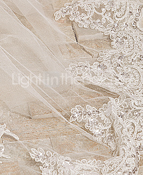 Trumpet/Mermaid High Neck Court Train Lace Tulle Wedding Dress