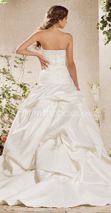 Ball Gown Strapless Chapel Train Satin Weeding Dress